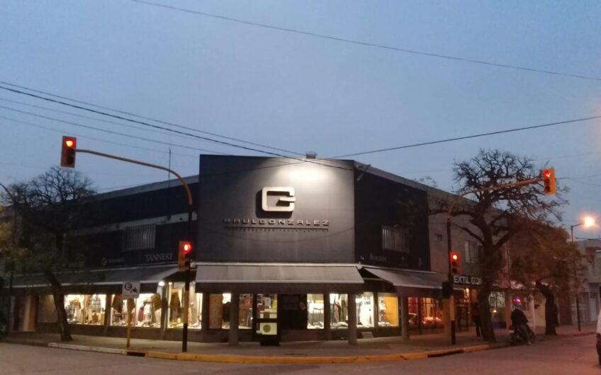 En venta fondo de comercio de amplia trayectoria en nuestra ciudad, con amplia cartera de clientes.