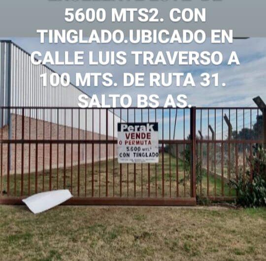 En venta amplio lote de terreno  de 5600 mts2 con tinglado